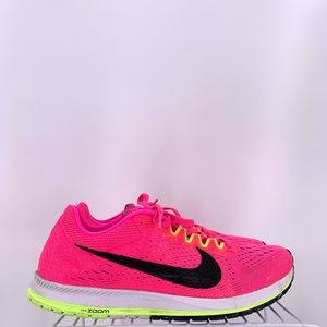 Nike axiom Streak 6 Women's Shoes Size 8.5